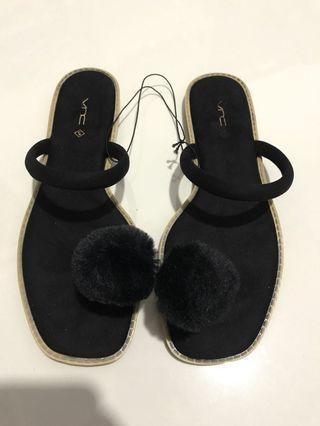 NETT Black Pompom Sandals