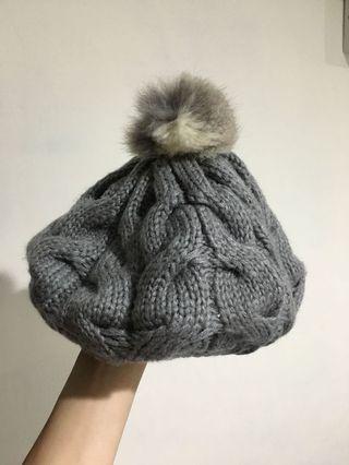 毛線帽 球球 (愛心捐款品)