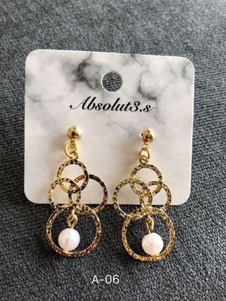 A-06 earrings with pearl