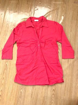 Red stretchable top