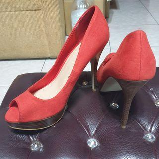 🚚 H&M紅色高跟鞋