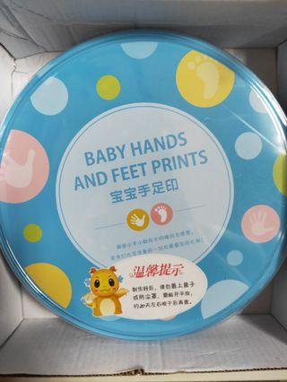 Baby hand and footprints maker