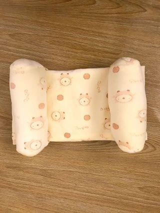 Baby adjustable pillow yellow