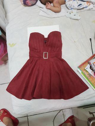 🚚 酒紅洋裝