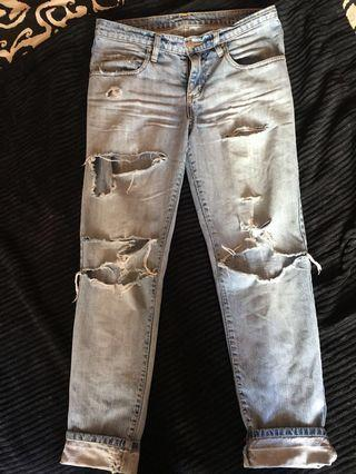 """Jeans """"Nobody Beau"""" ripped size 26"""