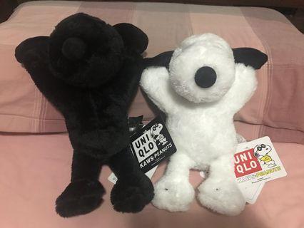 🚚 Snoopy 史努比 uniqlo 娃娃 黑色 白色