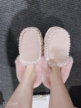 Ugg winter shoes