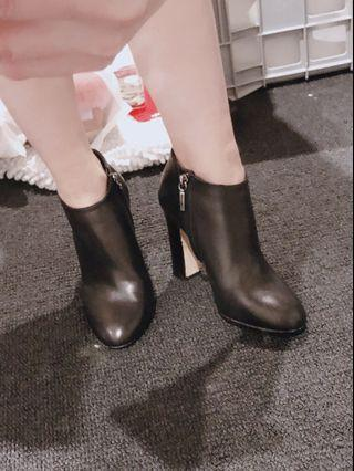 Dolce&Gabbana leather ankle boots