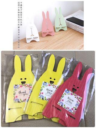 🚚 🐰出清🐰 婚禮小雜物~銅板價 韓風木質兔兔懶人手機架