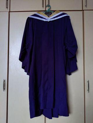 NUS engineering grad gown