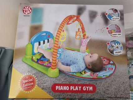Piano play gym