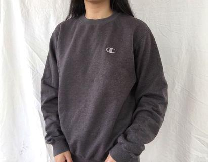 Vintage embroidered champion jumper