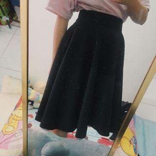 A Cut Skirt #CarousellxCasetify