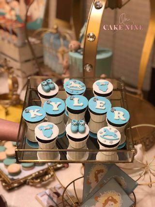 Baby Prince theme mini cupcakes