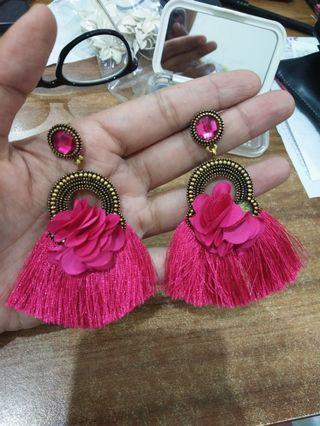 Anting Tassel Fuschia