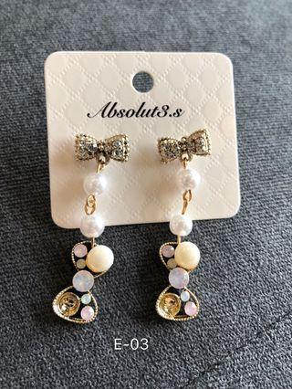 🚚 E-03 Ribbon with pearl earrings