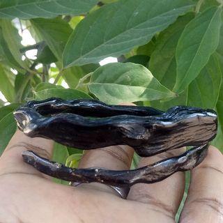 Gelang akar bahar hitam