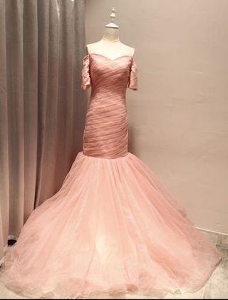 粉紅色晚裝
