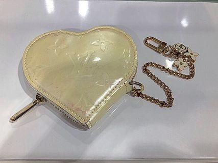 🚚 Louis Vuitton Heart Shape Coin Purse