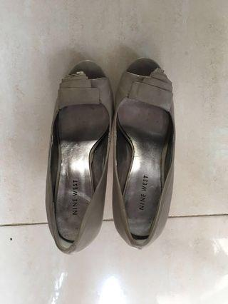 REPRICE! Nine West Grey Shoes. Rarely used. Very comfortable.