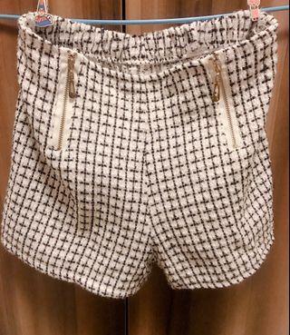 🚚 白色格紋短褲