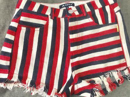 🎊Maru.a 紅黑白條紋短褲!s號
