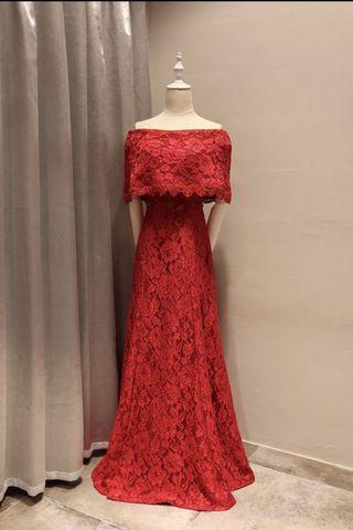 蕾絲一字肩晚裝裙-紅