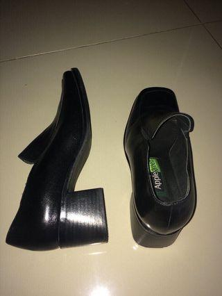 """""""Apple Green"""" Woman Shoes"""