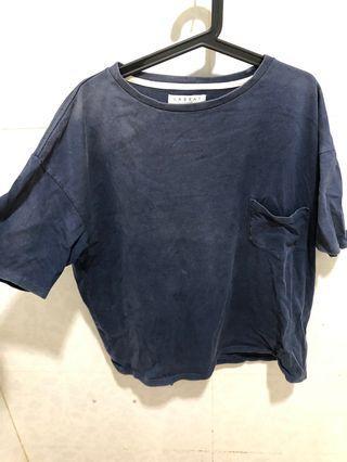 🚚 東京古著 素色寬版上衣的 深藍色 二手
