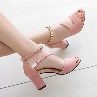 (PO) 35-40 2019 spring sexy fish mouth hollow Roman sandals thick with a word with beaded high heels female