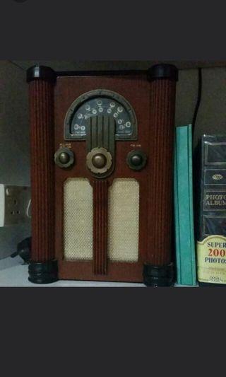 Vintage FM radio
