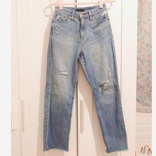 🚚 Uniqlo jeans 淺色直筒褲