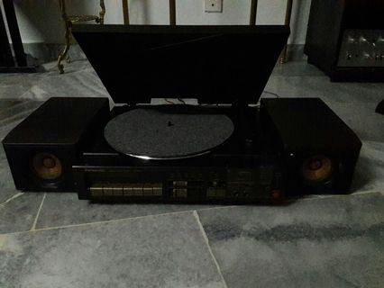 Vintage Turntable+ Amp+Radio