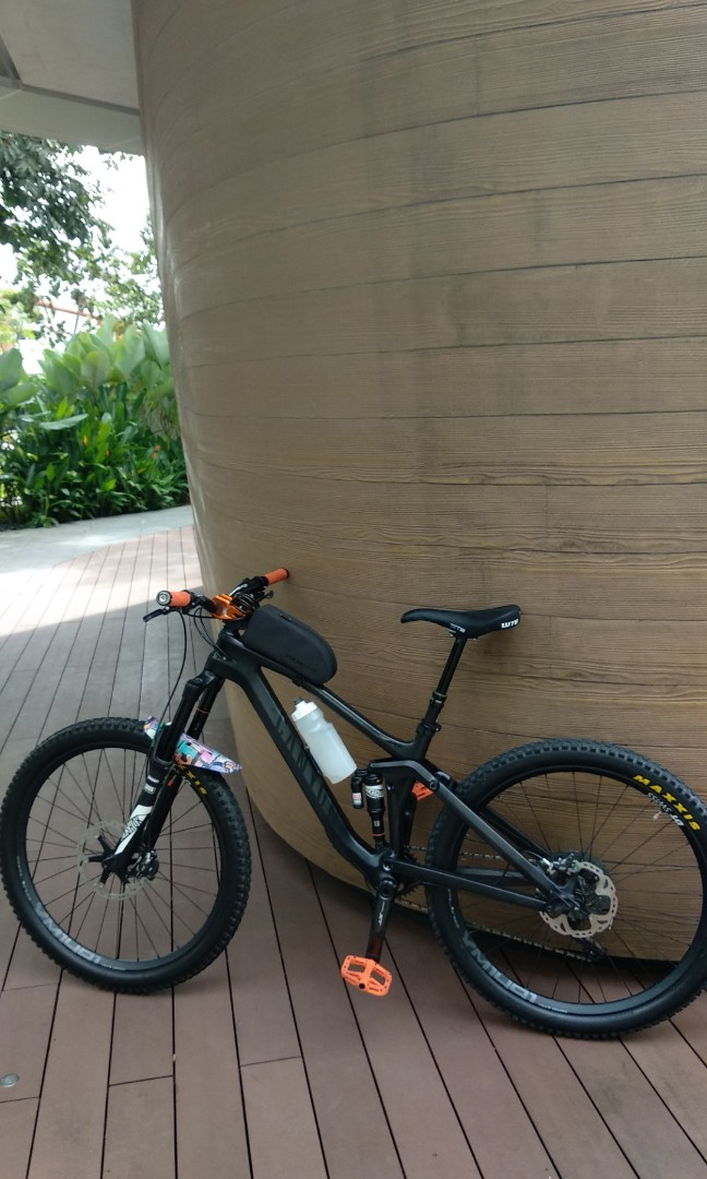 CANYON SPECTRAL CF8 0 STEALTH
