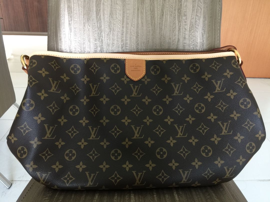 ef08fad15e5 Louis Vuitton Monogram Canvas DELIGHTFUL PM Shoulder Bag