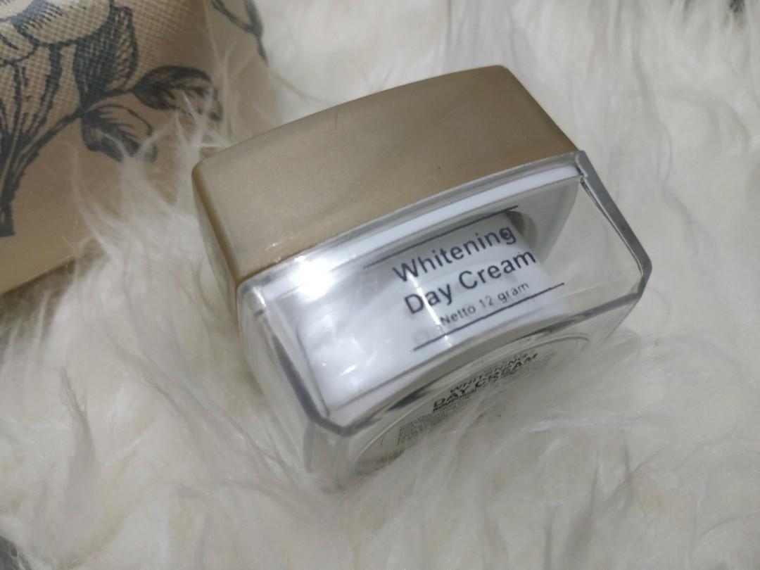 MS GLOW skincare free pouch MS GLOW