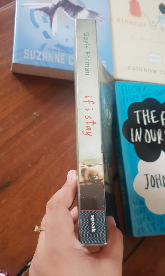 Random Bookset (If I stay, The fault in our stars, Mockingjay, eleanor and park)
