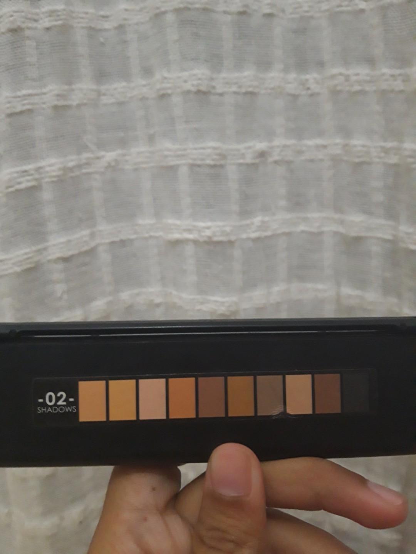 #SociollaCarousell Focallure eyeshadow
