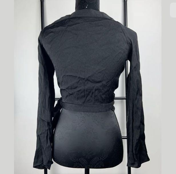 Staple The Label sz 10 black basic crop wrap top blouse bell sleeves preppy chic