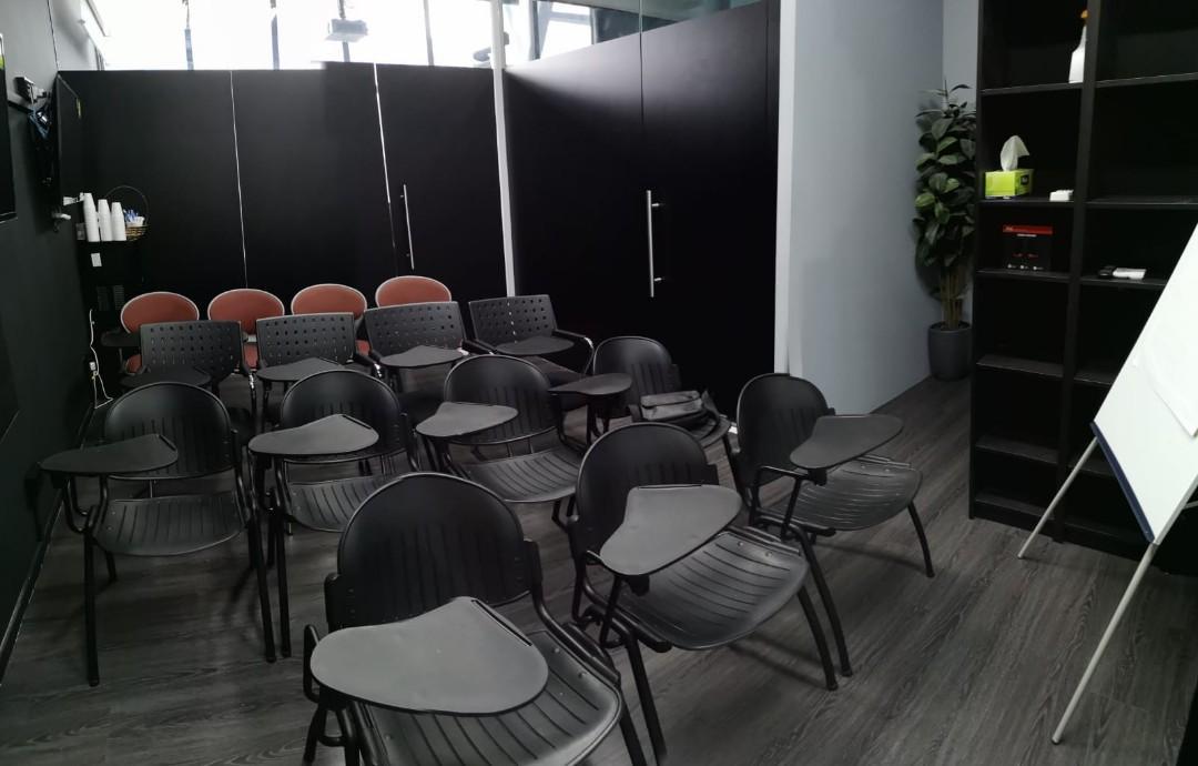 TRAINING/SEMINAR/MEETING Room