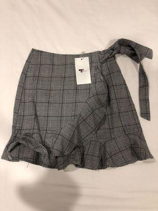 BNWT Checkered/ Gingham Mermaid mini Skirt w/ wrap tie detail