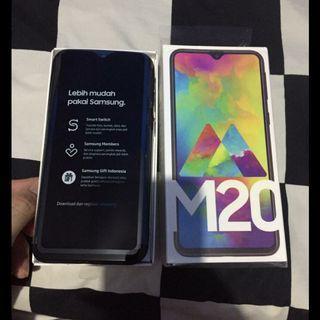 Samsung galaxy M20 second free softcase