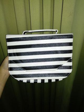 Tas Striped Black and White