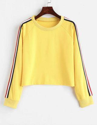 🚚 Yellow Sweater Long-Sleeved