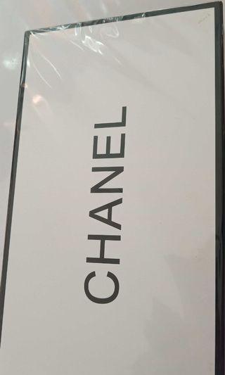 Chanel 5in1. Not ori tapi kualitas impor.