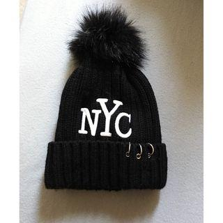 Brand New NYC Black Knitted Beanie with Pom 全新黑色冷帽