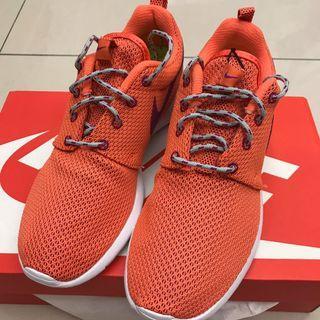 NIKE 慢跑休閒鞋 橘色 全新 24cm