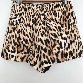 Finders keepers leopard shorts