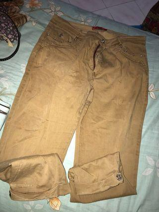 Brown Pants #JUNEPAYDAY60