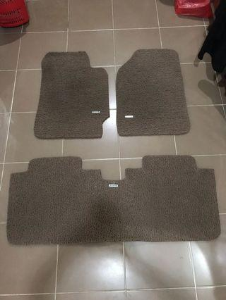 Karpet Comfort Dluxe Toyota Camry. Warna Beige.